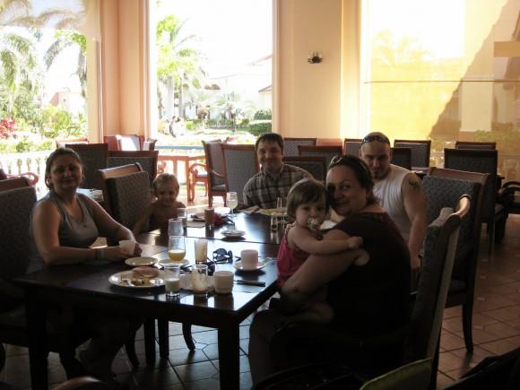 memories-varadero-cuba-restaurant-breakfast.jpg