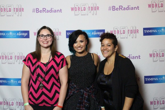 Allison and I strike a pose with Demi.